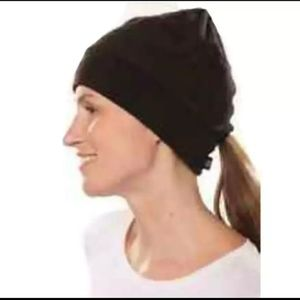 Isotoner Signature Sport Fleece Hat